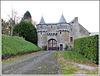 Entrée du château de Beaumont à Guitté (22) avec note