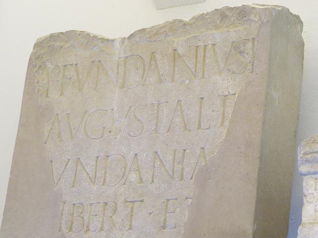 Musée archéologique de Split : CIL III, 2096, p. 2135.