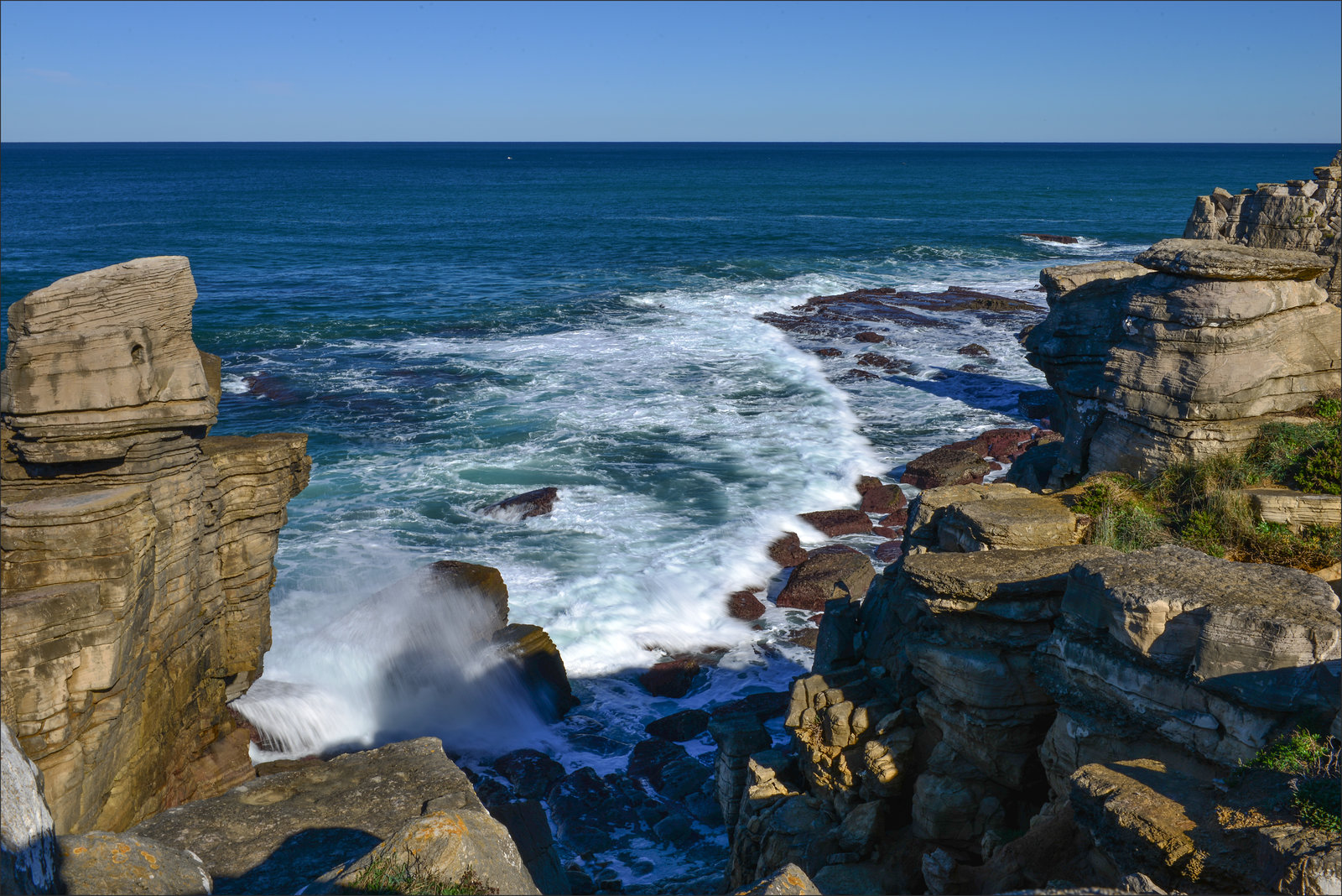 Peniche, mar e rochas