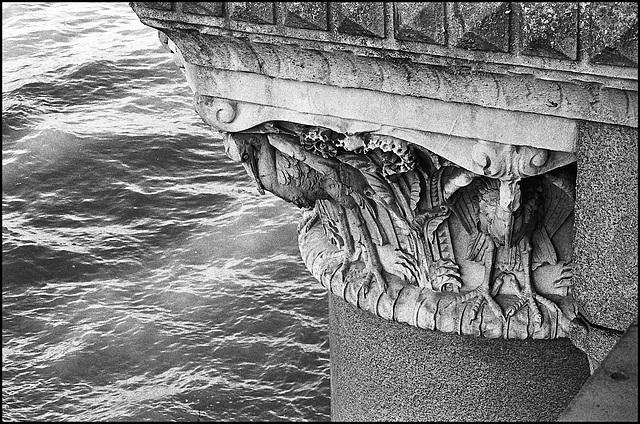 Herons, Blackfriars Bridge