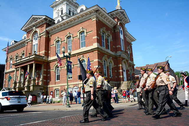 The Honor Guard passes the courthouse
