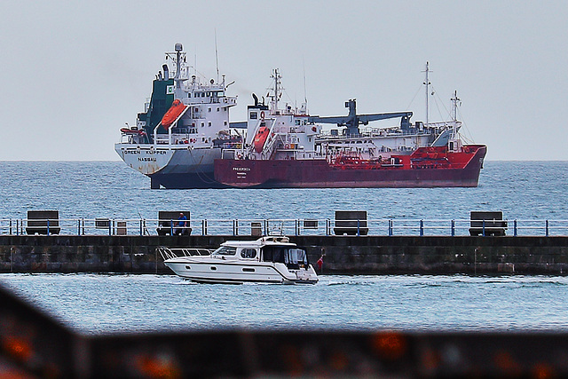 EOS 6D Peter Harriman 10 05 48 3254 Ships dpp hdr