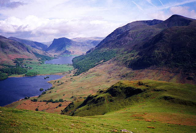 View from Mellbreak across Crummock Water and Buttermere to Fleetwith Pike (Scan from May 1991)