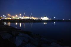 Am Fährhafen Mukran Rügen - nachts