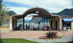 Warten am Schiffsanleger Lugano-Paradiso