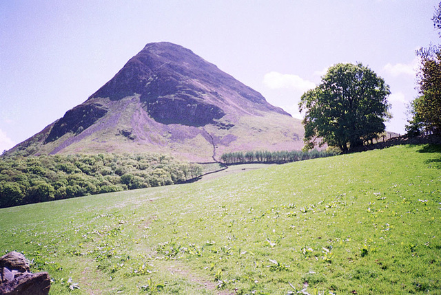 Mellbreak (512m) from near Kirkgate Farm (Scan from May 1991)