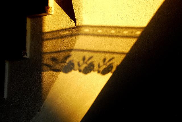 Licht und Schatten im Treppenhaus