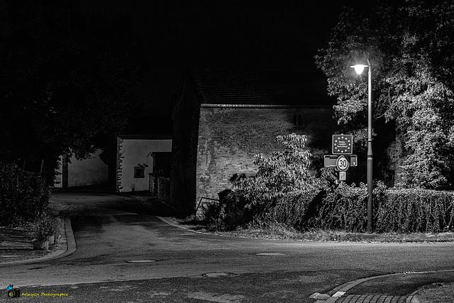 Nachbarschaft in Deutschland.  Leiding (F) - Leidingen (D)