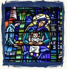La Côte-Saint-André (38) Vitrail (20e s) de l'église Saint-André.