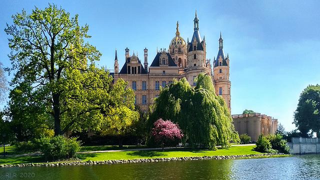 Schwerin, das Märchenschloss auf der Insel