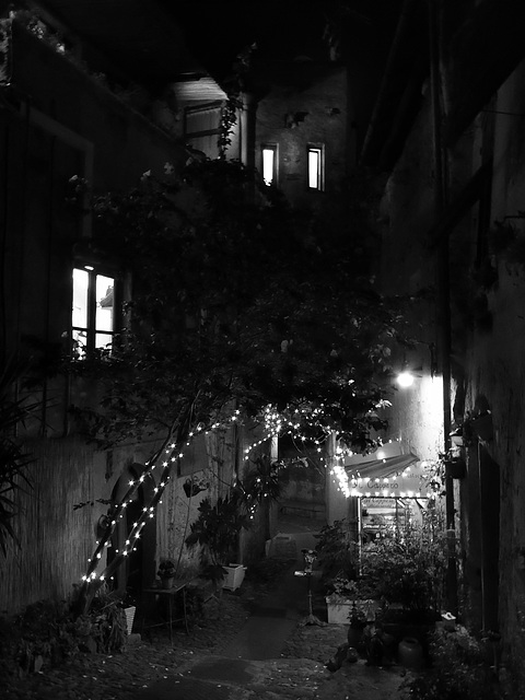 Verezzi by night