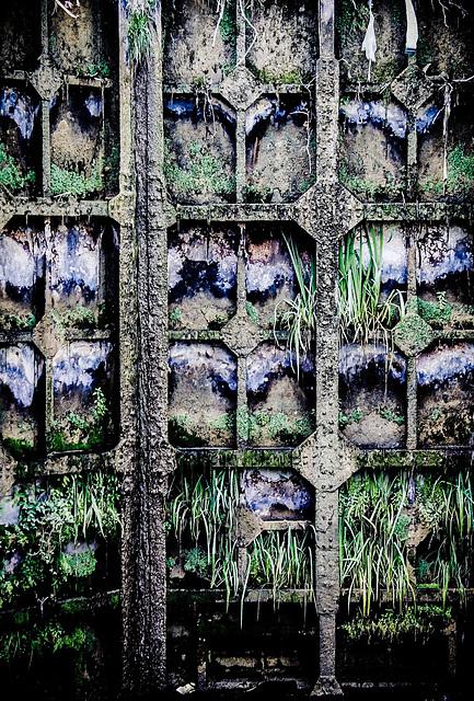 Canal du Midi: Les Ecluses de Fonserrane/The Locks of Fonserrane