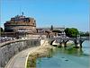 Roma : Castel Sant'Angelo e il Ponte Sant'Angelo con le sue splendide 10 statue degli Angeli