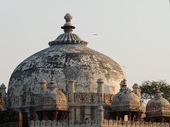 Delhi- Dome of Isa Khan's Tomb
