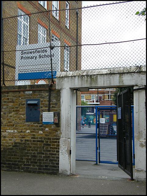 Snowsfields School gate