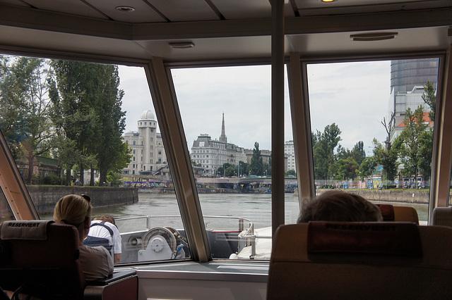 Einfahrt nach Wien