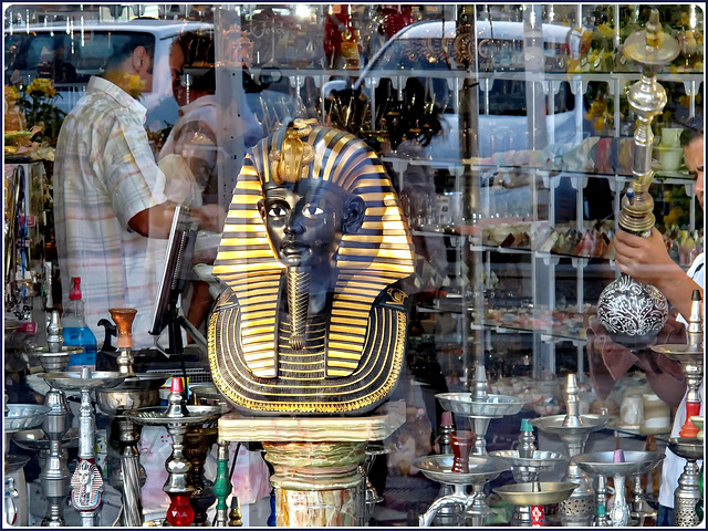 SHARM EL-SHEIK : Shopping, trasparenze e riflessi