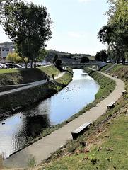 Sizandro River crosses Torres Vedras