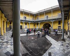 La Riva Mansion, Main PAtio