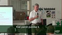 Kiel paroli publike kaj kiel alfronti antaŭjuĝojn pri Esperanto