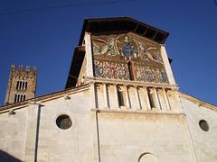 Saint Fredian Church (12th century).