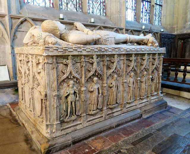 norbury church, derbs (71)effigy on tomb of sir ralph fitzherbert +1483