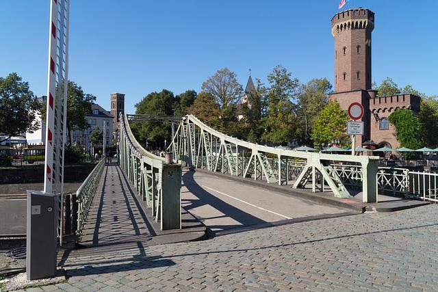 Rheinauhafen Köln - Drehbrücke