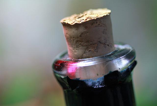 Goulot de vieille liqueur de violette