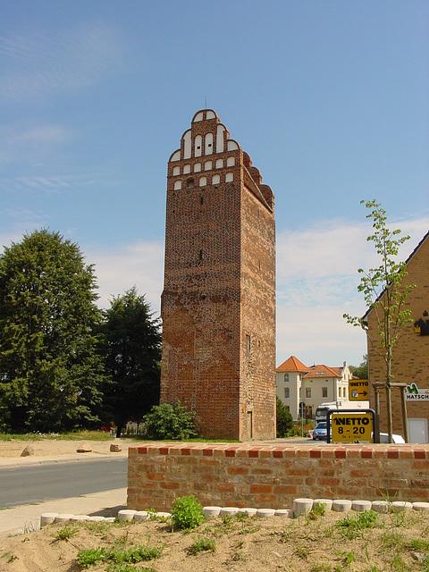 Malchin, Fangelturm (Stadtseite)