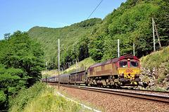 Class 66 dans la vallée
