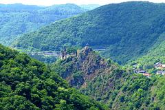 DE - Altenahr - Burg Are, gesehen vom Ümerich