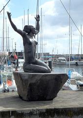 Funchal. Statue einer Meerjungfrau in der Marina. ©UdoSm