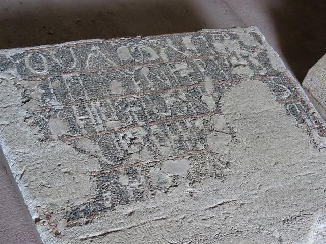 Musée archéologique de Split : inscription en mosaïque.