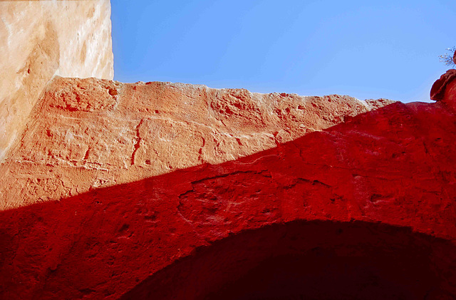Santa Catalina Convent: now red dominant