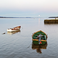 Moon on the Tay