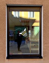 HFF....die naggerde Hummel :)