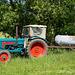 Hanomag Traktor mit Wasserspender für's Vieh