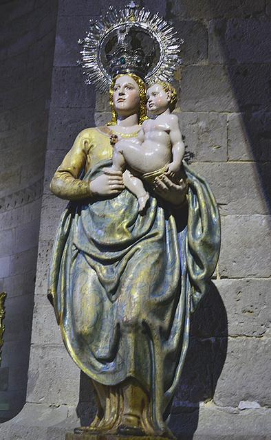 Imagen de la Virgen y el Niño.