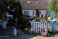 Si vous passez du côté de Pithiviers , je vous invite à découvrir un jardin extraordinaire . Un lieu incroyable crée par Fabrice , un artiste de talent . L'entrée est libre et croyez-moi ça vaut le détour .