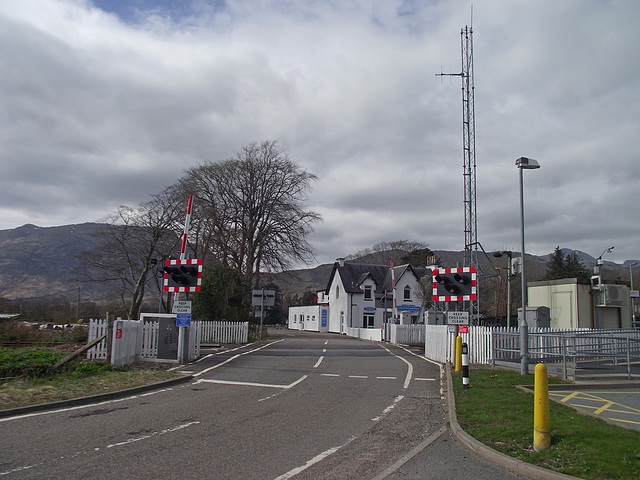 Strathcarron A890 level crossing