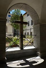 hotel dieu ombre de la croix