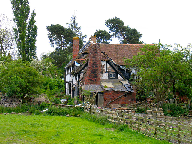 Blue Hole Cottage, Wootton Wawen (Grade II Listed Building)