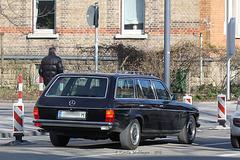 Interessanter alter Mercedes