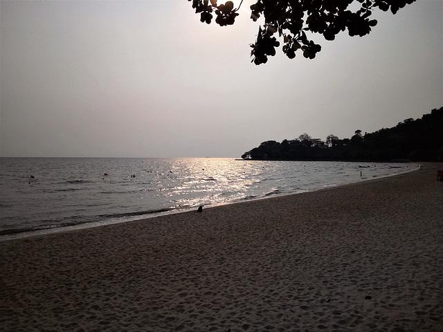 Reflet sur la plage / Beach wet reflexion