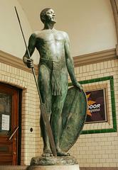 IP/PA Treffen-Nachlese: Bronzefigur vor dem Afrika Haus in der Große Reichenstraße 27