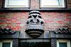 Brahmskontor: Skulptur über dem Nebeneingang (3xPiP)