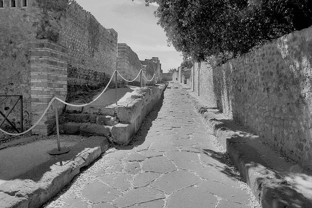 Pompeji, in fast 2000 Jahre alten Gassen