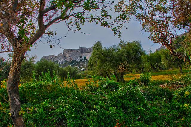 De Baux en bas ou de bas en Baux ... (de-Provence)