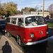 VW van of yester years/ Fourgonnette VW des belles années.
