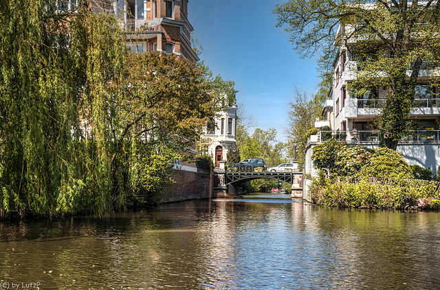 Living at the Canal (330°)